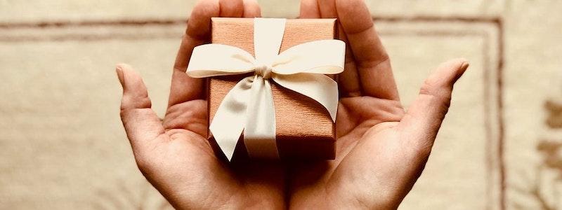 image principale de l'article Utiliser le parrainage client pour vendre plus de box